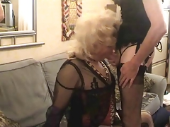 T-girl deep throat